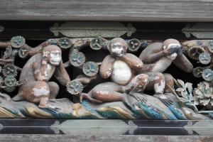 神猿彫刻②三猿